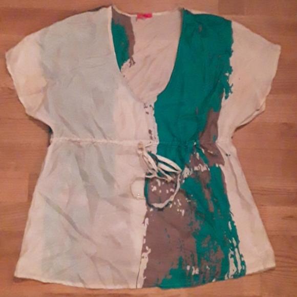 EUC 100% silk printed short sleeve blouse